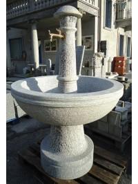 Fontaine Ronde en Serizzo Antigorio Bouchardée