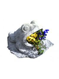Grenouille Sculptée en Pierre Ollaire travaillée avec Marteau et un Burin