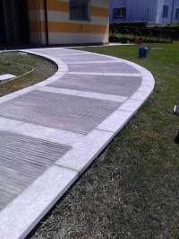 Bordurettes en Serizzo Antig. Grenaillé sur la côté, h cm x ép cm 3, longueur libre